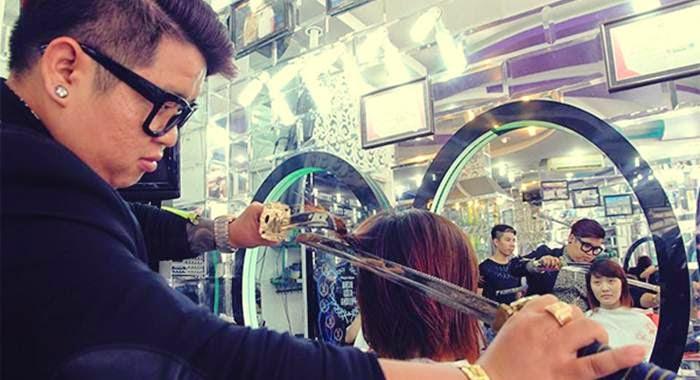 potong rambut pakai samurai
