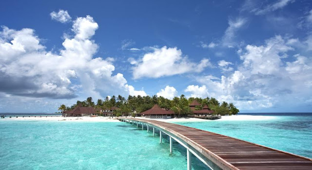 Diamonds Thudufushi Beach and Water Villas