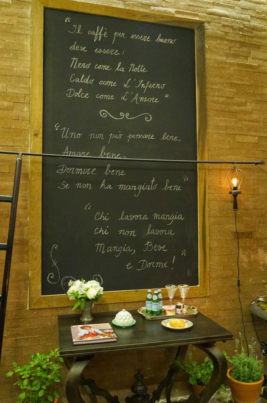 Quadro negro na cozinha para anotar recados - Casa Cor SP 2014