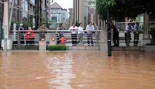 Gambar poto Banjir Jakarta 2013