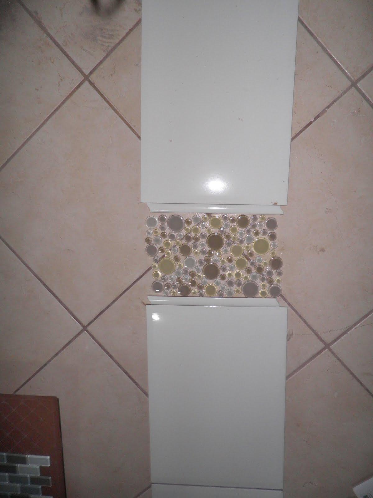 Esta eh a parede que sera revestida com porcelanato portobelo canela  #746557 1200x1600 Banheiro Com Pastilhas Azuis