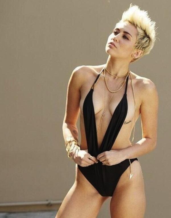 Otra imagen ardiente de Miley Cyrus