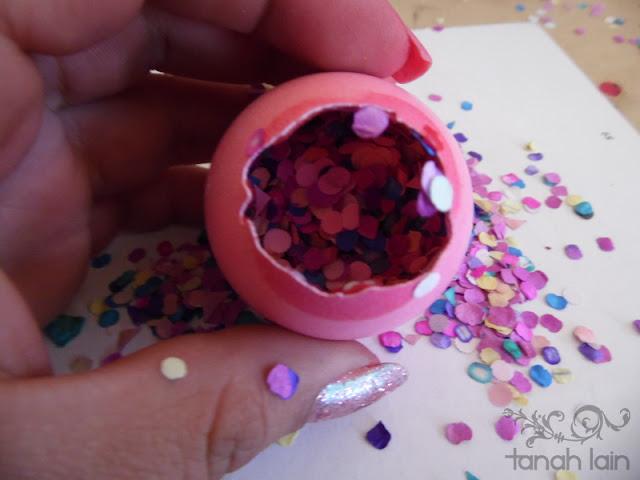 Cascarones de huevo rellenos de confeti