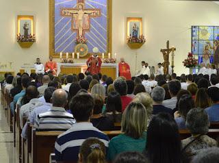 Bispo D. Gregório preside celebração de homenagem e de crisma na Igreja de Santo Antonio, no Alto