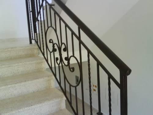 Estructuras met licas se or de cachuy escaleras y for Cubre escaleras