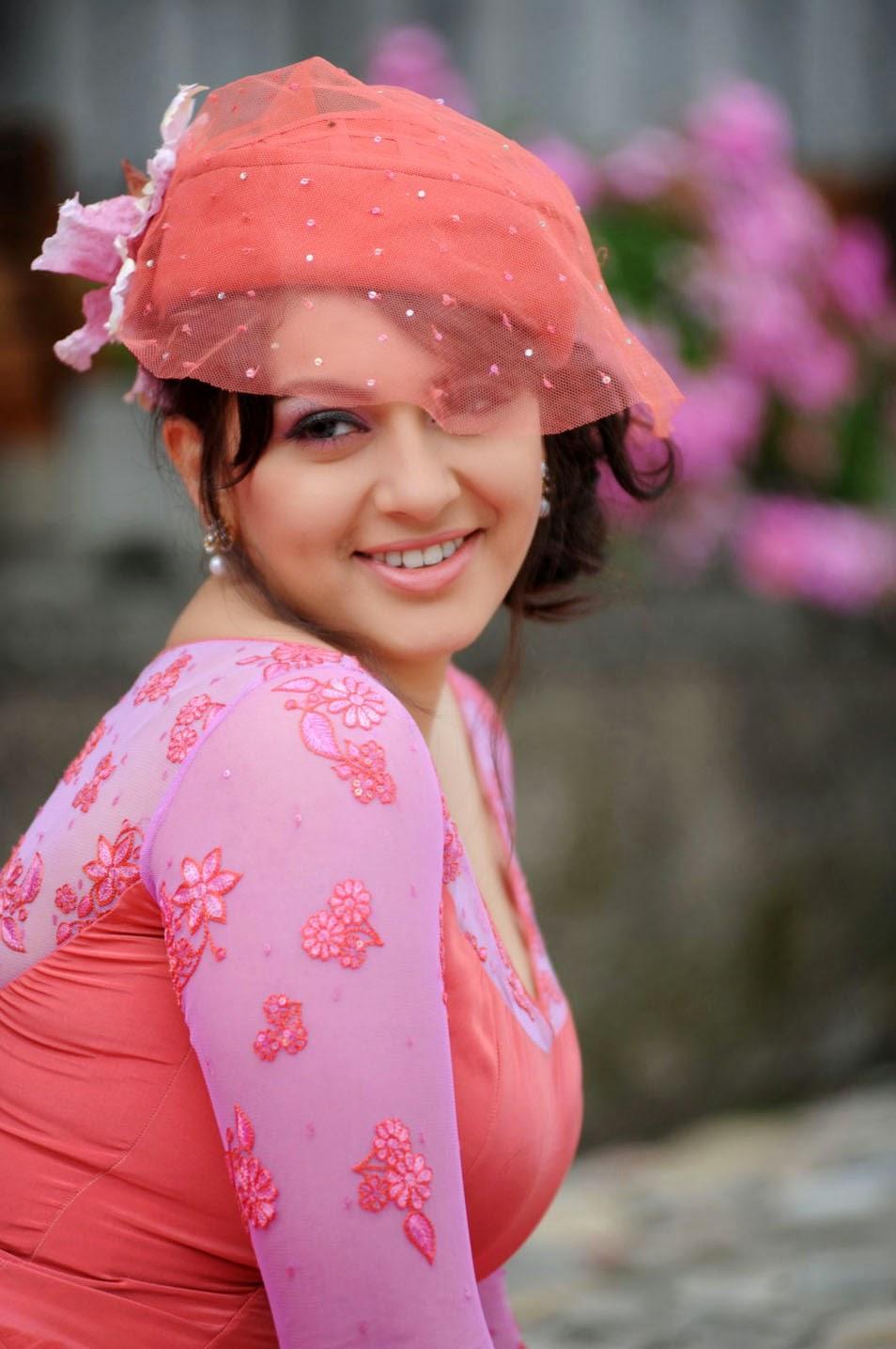 Actress Hanishka Motwani Stills