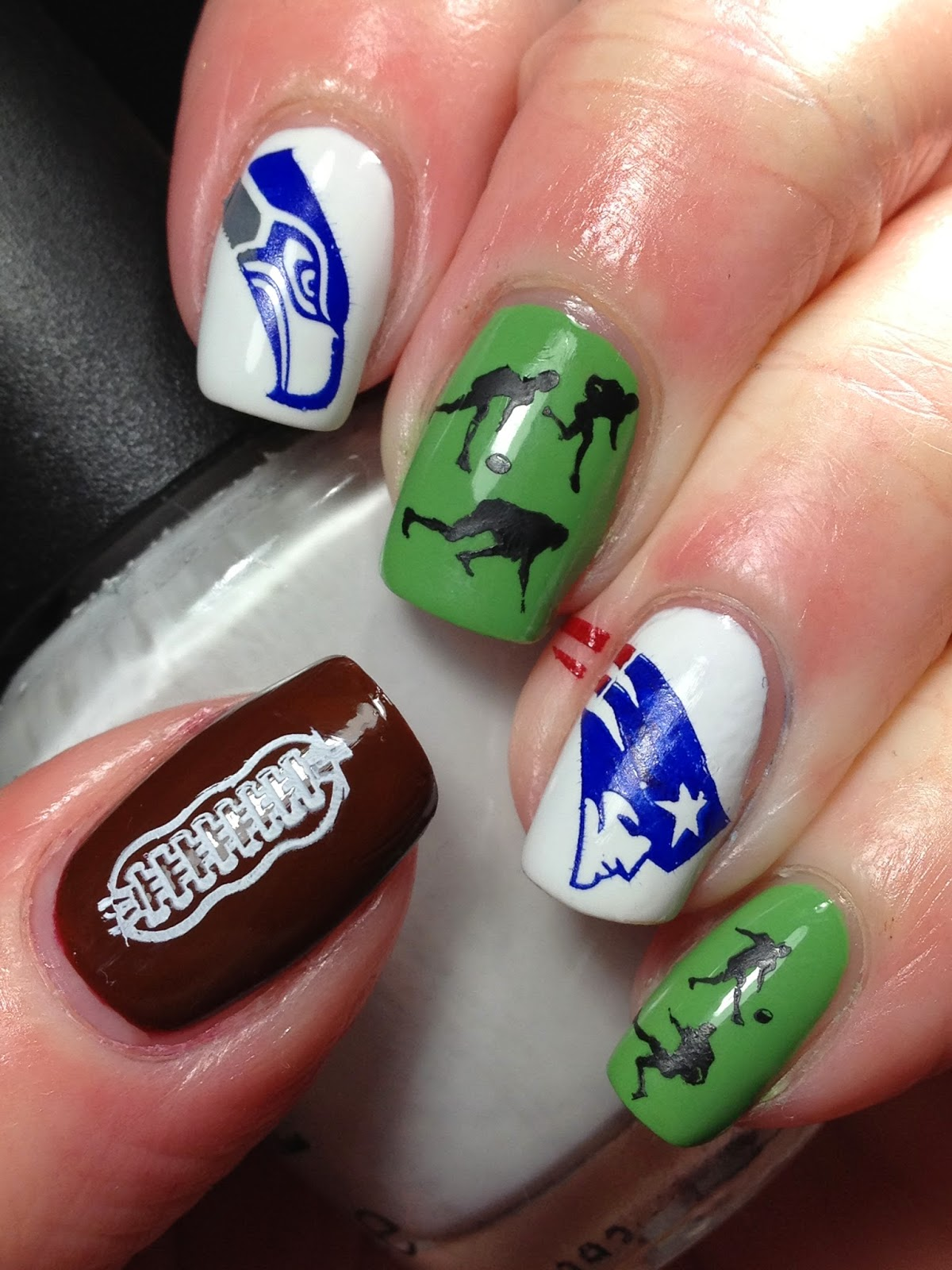 Canadian Nail Fanatic: Super Bowl Nails!