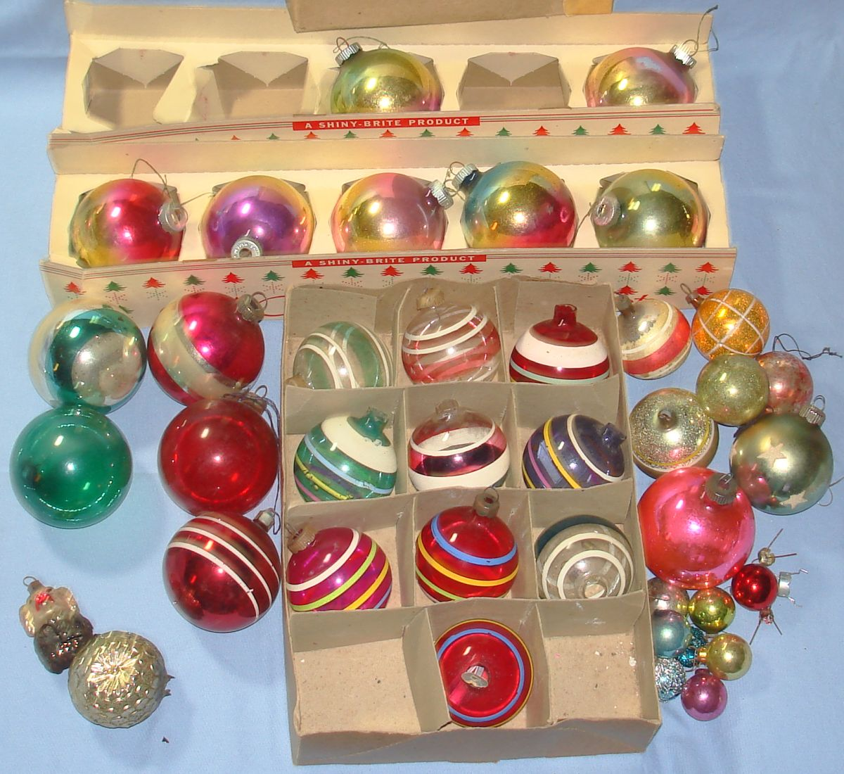 shiny brite ornaments image from vintagetoyscom