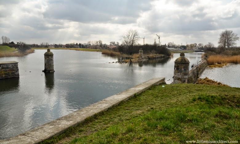 dolne miasto gdańsk, bastiony, kamienice, architektura