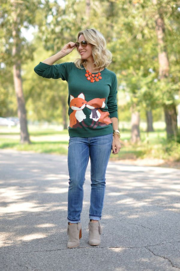 Fall Fashion - kissing fox sweater, skinny jeans and booties