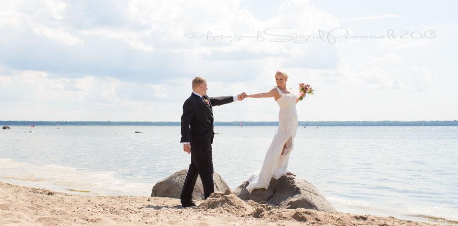 pruutpaar-laulasmaa-rannas