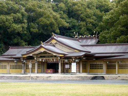 福岡県護国神社拝殿