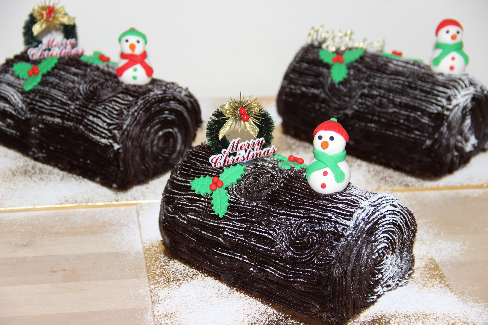 Temptations: Chocolate Yule log Cake