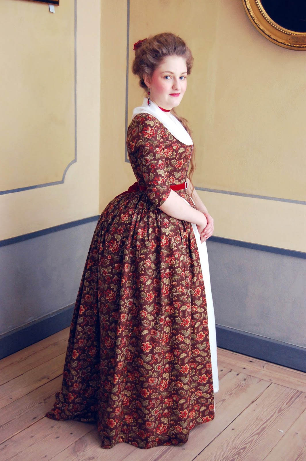 Rococo Atelier: Brown floral print gown at the Ehrensvärd museum