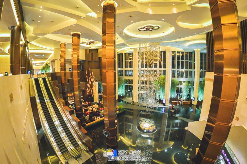 Grand Hyatt Macau at City of Dreams - 3 storeys high lobby