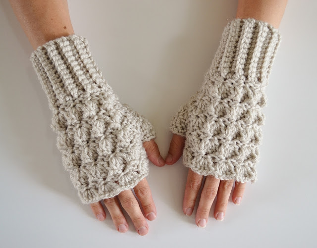 Crochet Shell Fingerless Gloves free pattern