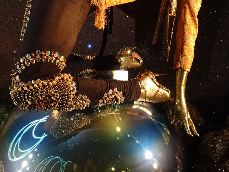 Selfridges_Christmas_Shopwindows_Zodiac