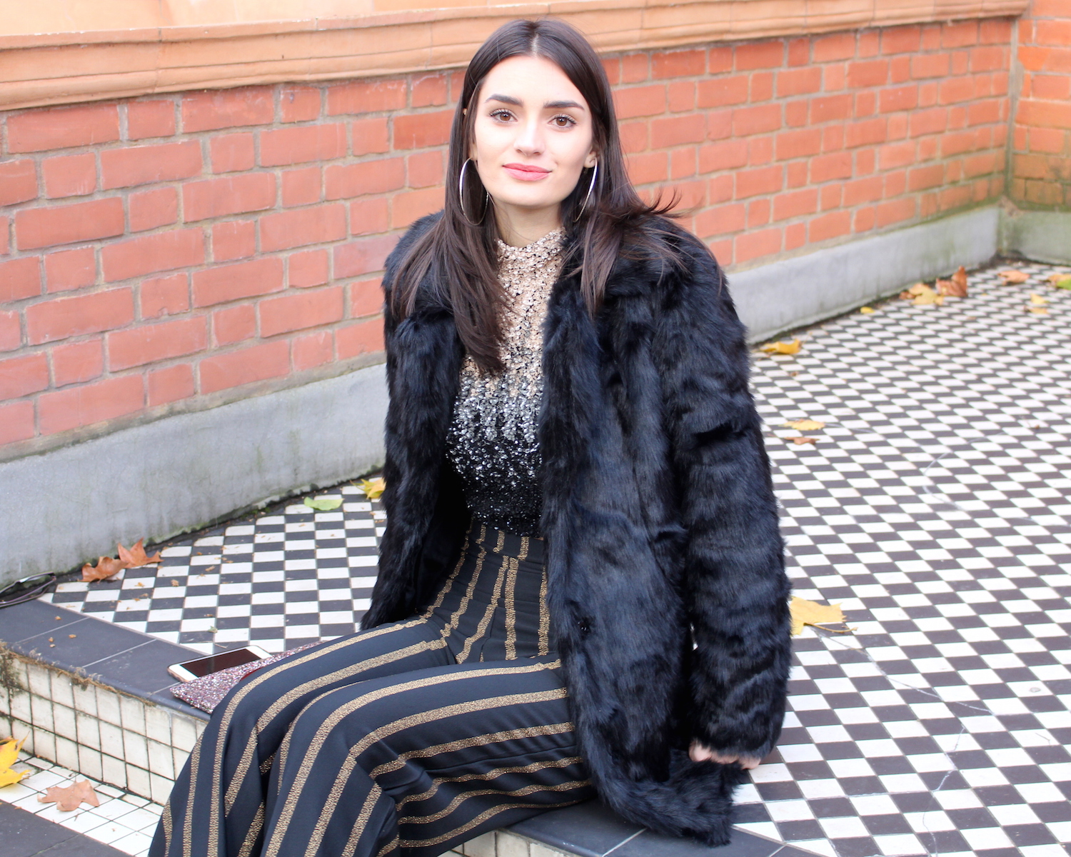 peexo fashion blogger wearing sequins and faux fur