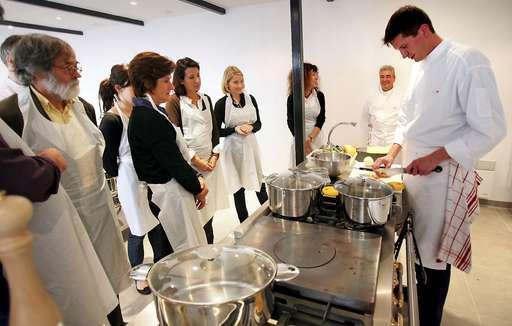 Sante au travail pour recr er du lien entre les salari s - Second de cuisine salaire ...