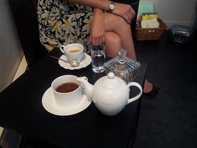 A l'heure du thé, Paris