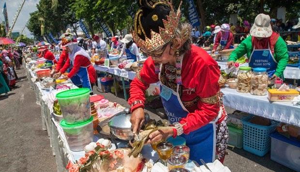 Festival rujak soto Banyuwangi 2014.