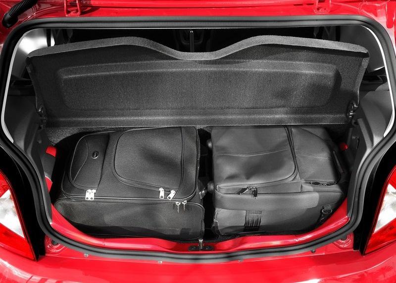 sport car garage  seat mii  2013