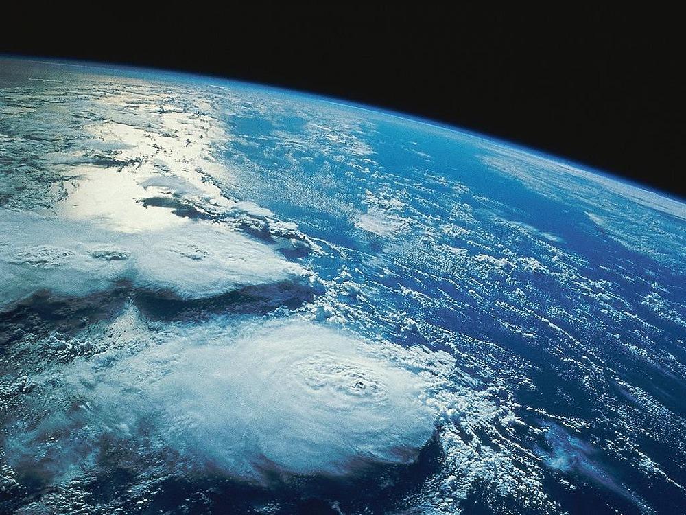 Видео полёта мкс над землёй