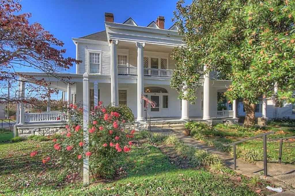 Lawrenceburg Ky Bed And Breakfast