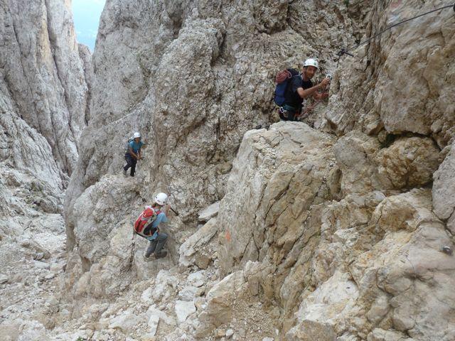Klettersteig Unfall : Nö feuerwehr unterstützt rettungskräfte bei kletterunfall im