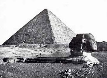 An very early photograph of the Great Pyramid and Sphinx
