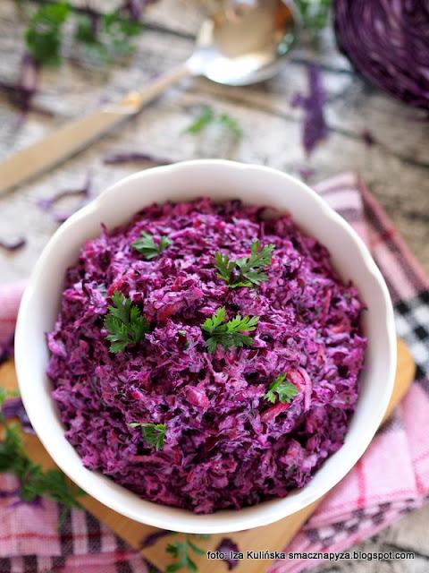 suróweczka , czerwona kapusta , colesław , do obiadu , warzywa , kapuściana sałatka , zdrowo i kolorowo , najsmaczniejsze dania , najlepsze przepisy , kuchnia polska , domowe jedzenie ,