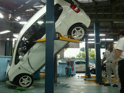 Honda Jazz accident at service centre