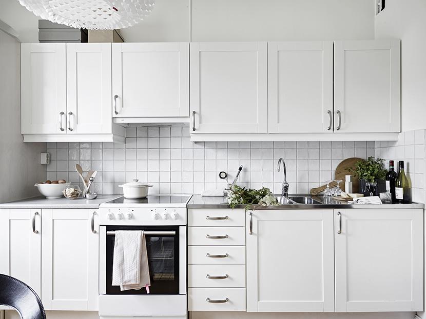 apartamento-nordico-blanco-gris-cocina