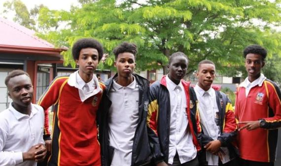 "Apple apologises for kicking out African school boys over fear ""they might steal something."""