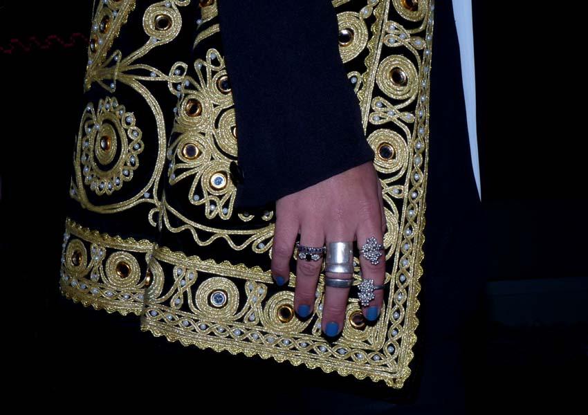 street style - como una aparición - gold - embroidery - silver - rings - women