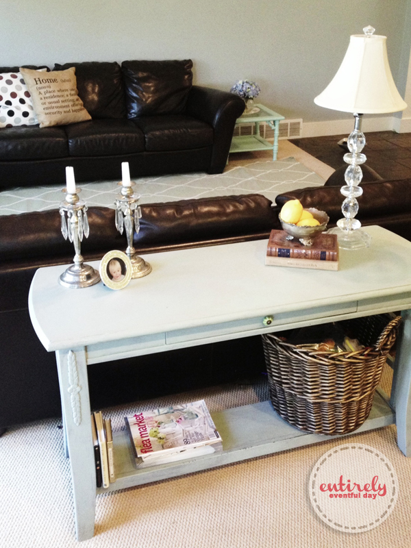Beach inspired living room. Lots of pretty ideas and color suggestions. #diy #interiordesign entirelyeventfulday.com