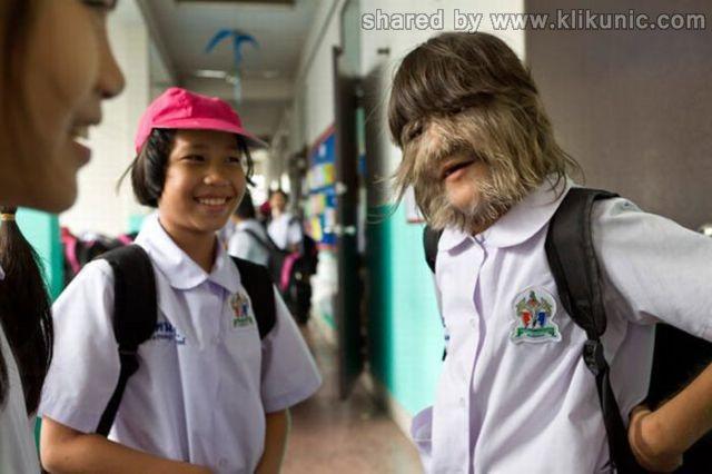 http://1.bp.blogspot.com/-iM6va1qdD7Y/TW-vrpJxzuI/AAAAAAAAPwU/IW3gdk28EYc/s1600/the_worlds_hairiest_640_01.jpg
