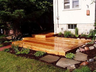 Patio de madera tarima patios y jardines for Casas de madera para patios