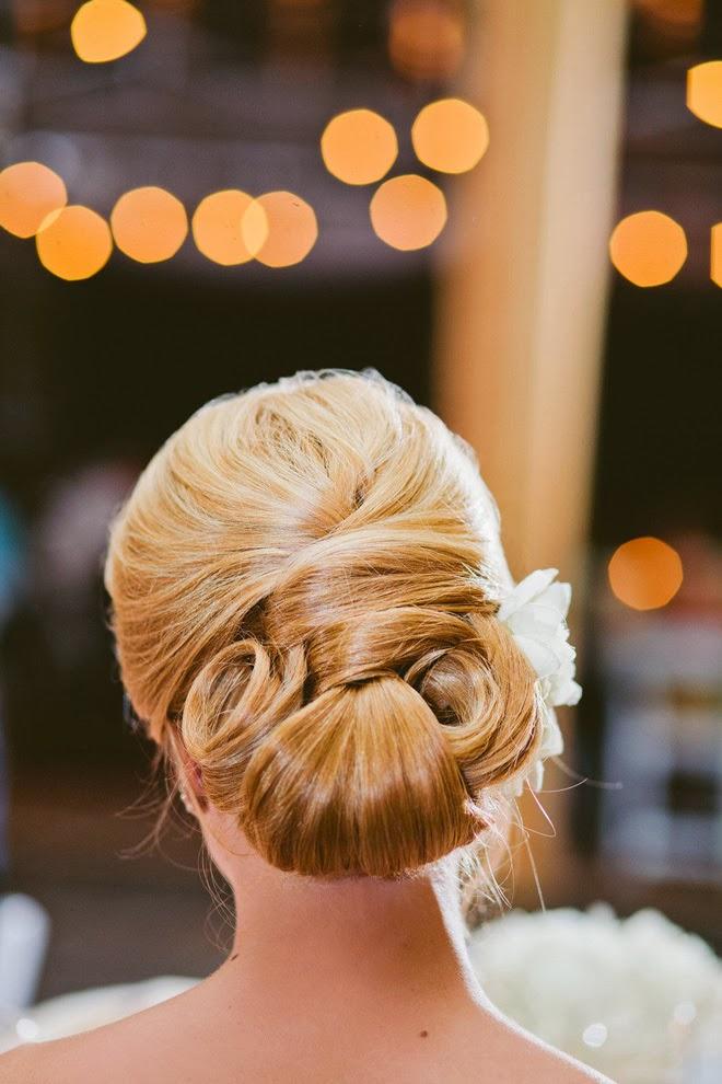 những mẫu tóc đẹp dành cho cô dâu tóc dài, trang điểm cô dâu đẹp