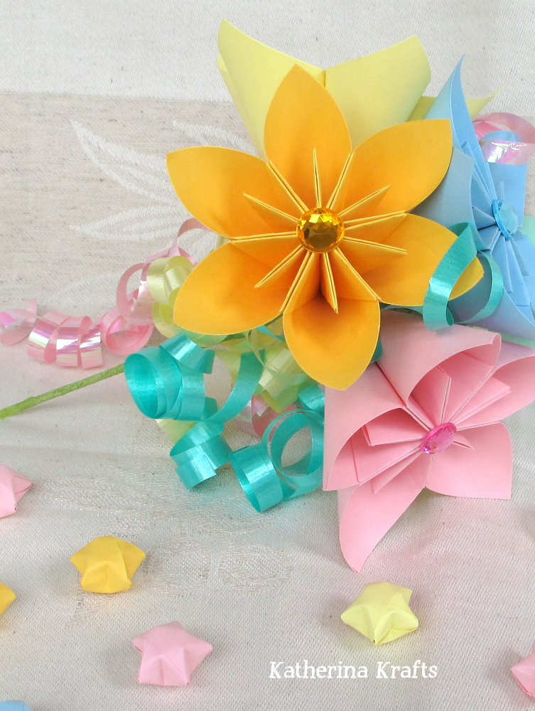 Katherina krafts springtime flowers i usually prefer bold colors but this bouquet of origami flowers in pastels is just too cute mightylinksfo