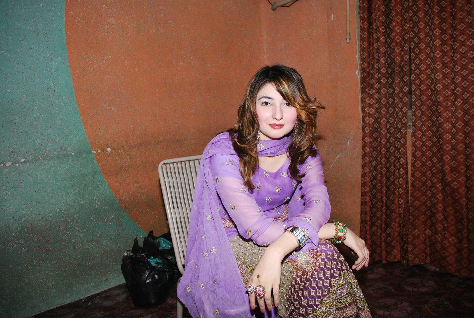 Pashto Singer And The New Actress Gul Panra Photos