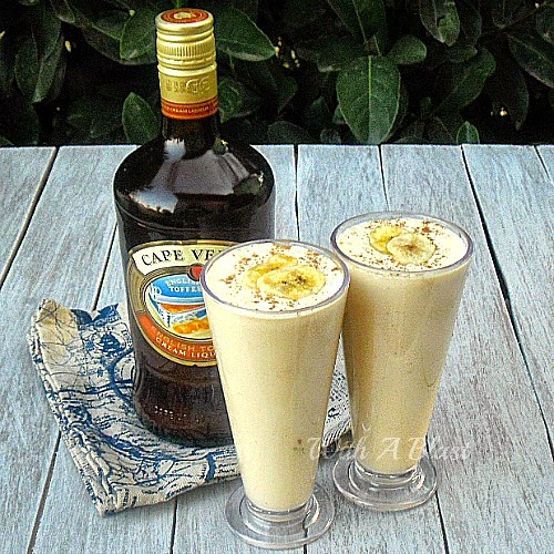 English Toffee and Banana Milkshake ~ Extra Creamy Milkshake for the grown-ups ! #Milkshake #EnglishToffee #AlcoholicDrink