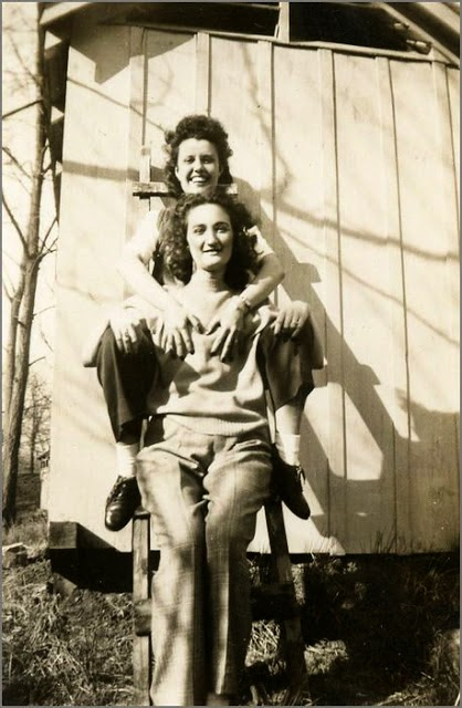Interesting Vintage Photos of Lesbian Loves ~ vintage everyday