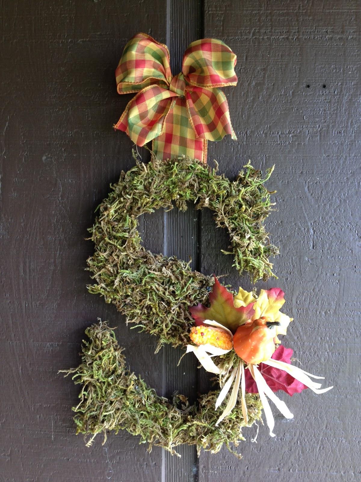 This Ole Mom Diy Fall Monogram Door Hanger Wreath