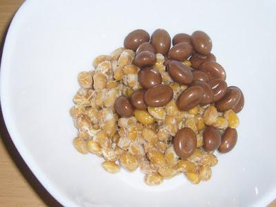 納豆にmeijiコーヒービート