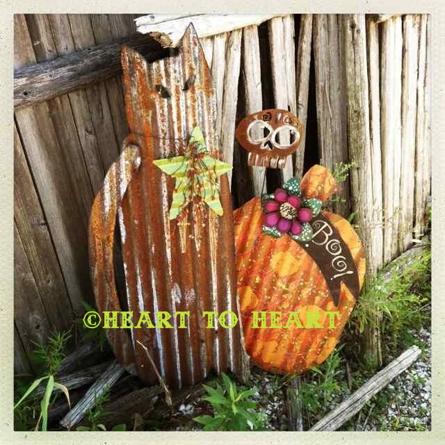 Heart to heart kiel wisconsin cats and bats and pumpkins for Coralville arts and crafts show