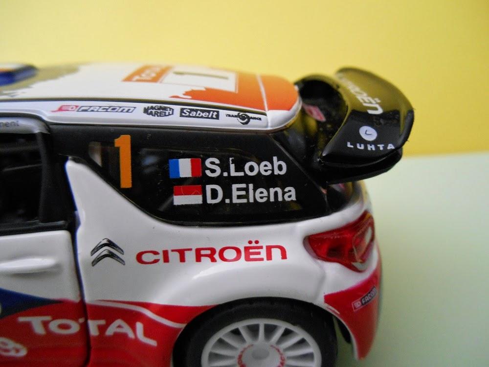 coche en miniatura burago diecast