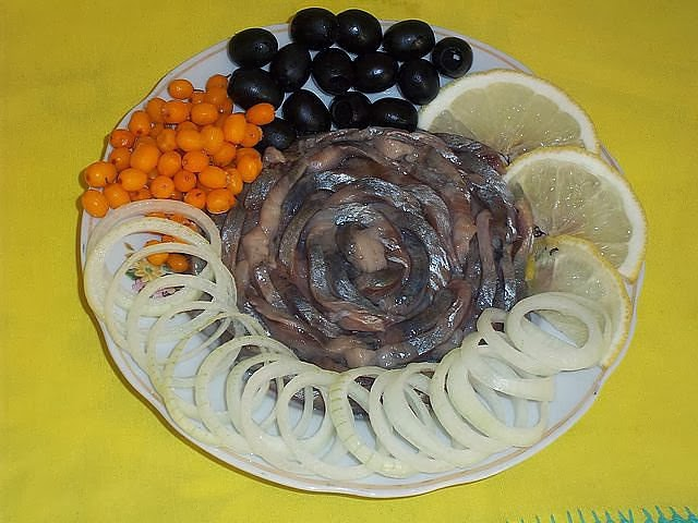 ansoa-cu-ceapă-lamaie-masline