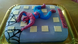 torta di spiderman