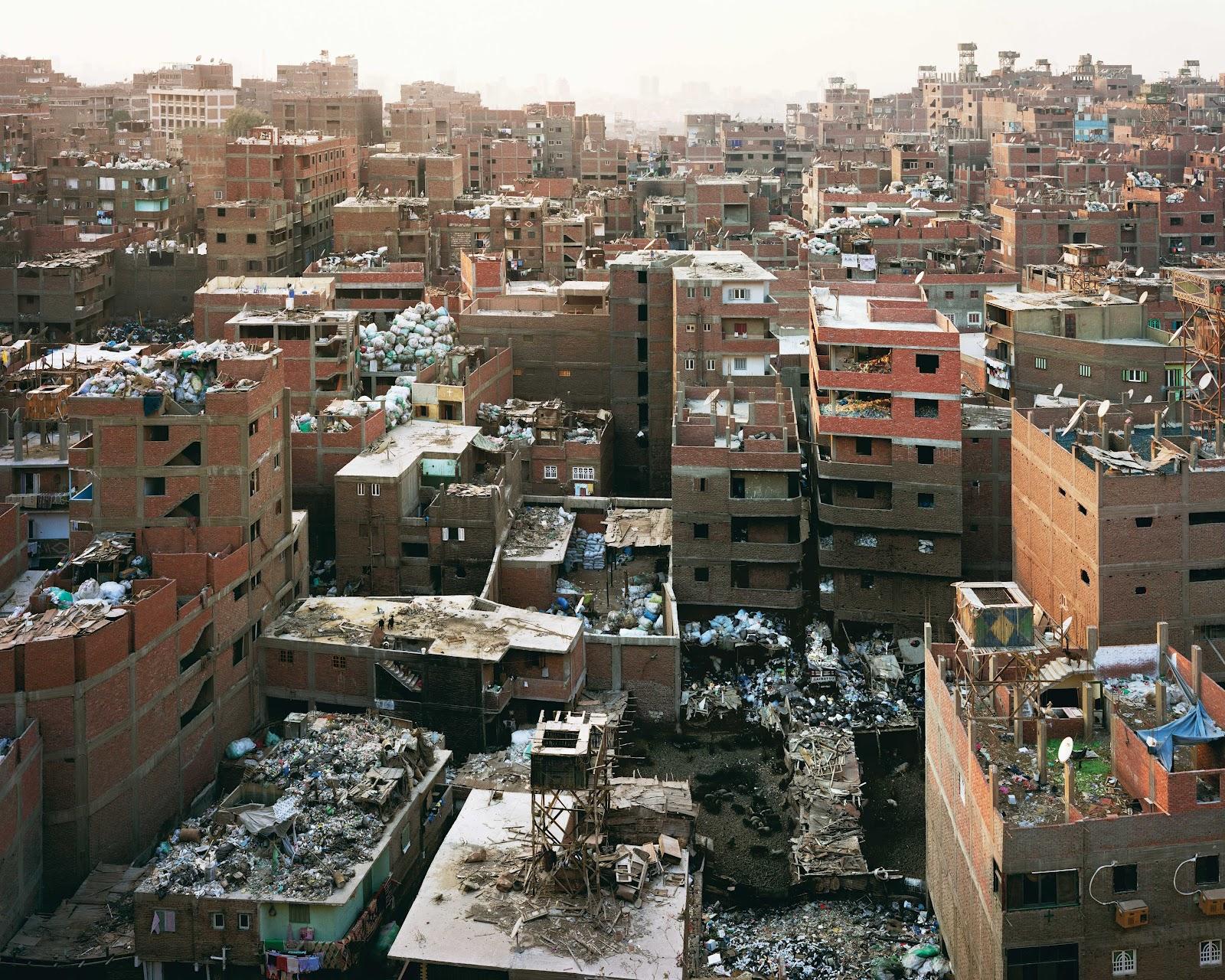 ciudad de la basura el hogar de los zabaleen en el cairo. Black Bedroom Furniture Sets. Home Design Ideas